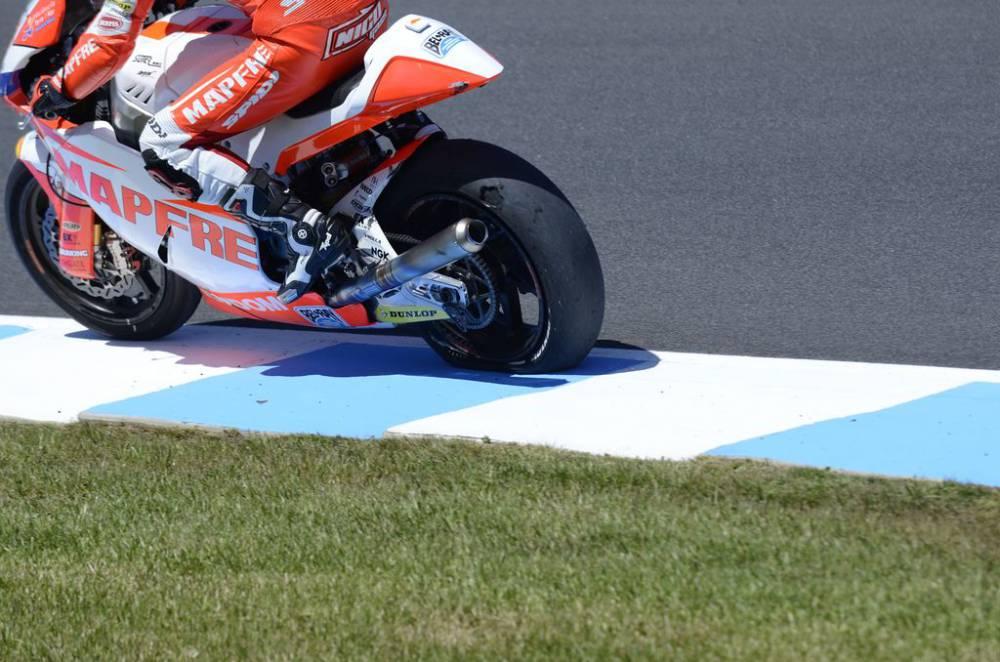 neumático Nico Terol.jpg