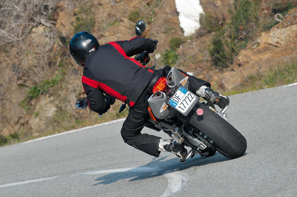 moto carretera.jpg