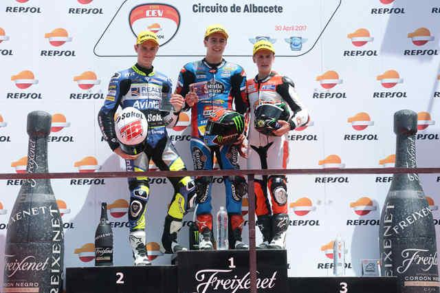 w_podio-moto3.jpg