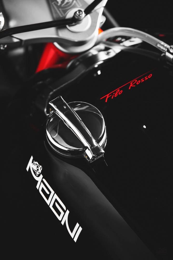 Magni Filo Rosso Black Edition tapon deposito