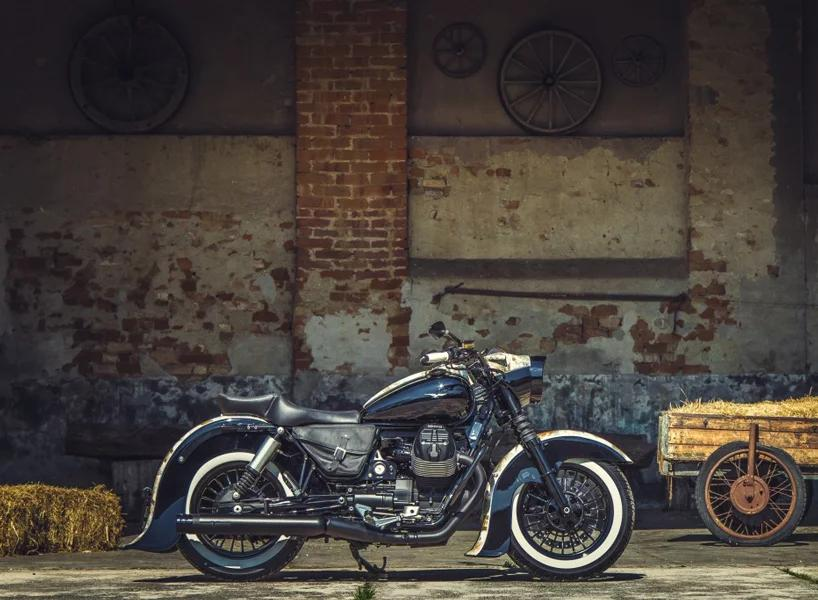 Moto Guzzi Old Money 9
