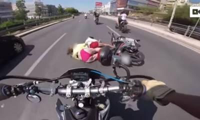 por qué no se puede ir en bikini en moto