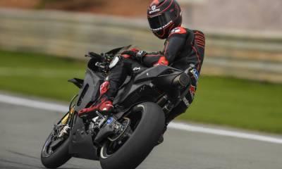 Lorenzo ya rueda con la Honda