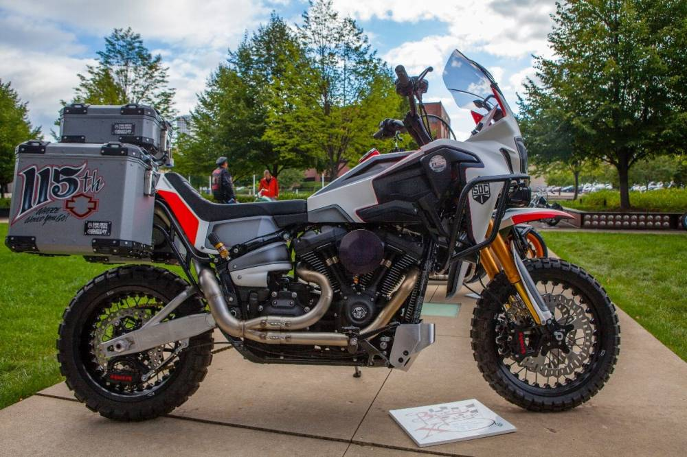 Harley Africa Twin de San Diego Customs
