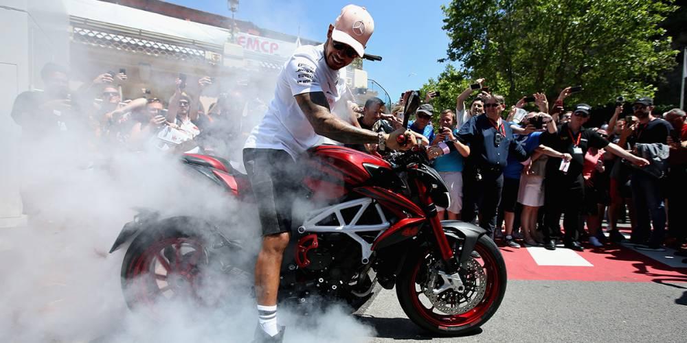 Hamilton recoge el guante de Rossi