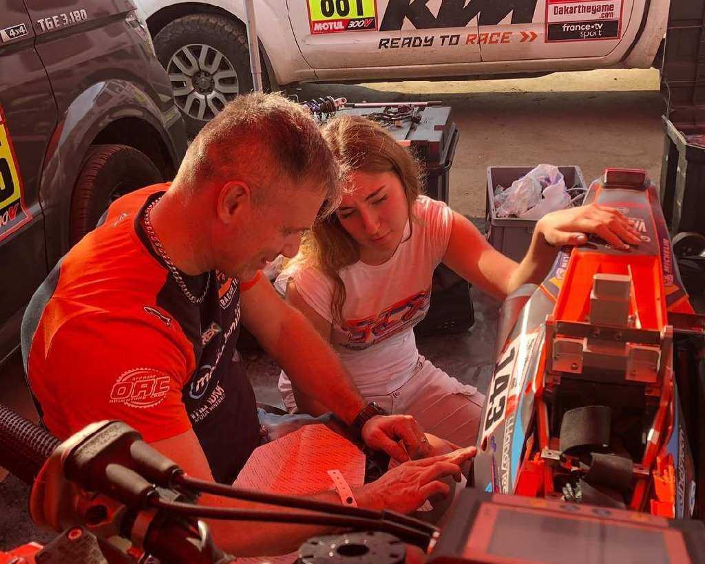 primer piloto parapléjico que participa en el Dakar en moto