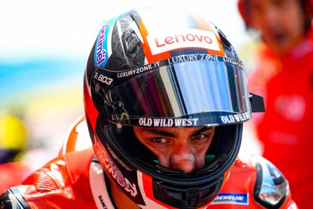 Piloto italiano, circuito italiano, y moto y equipo italiano... ¡Un día ideal para Petrucci!