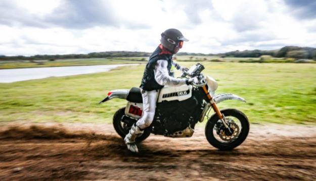 Yamaha Swank Rally 700