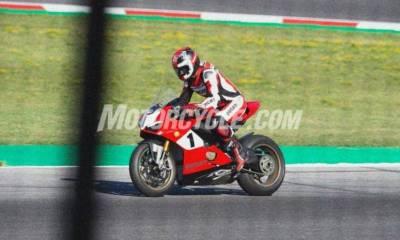 Ducati Panigale V4 Carl Fogarty