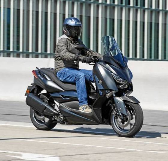 Prueba Yamaha X-Max 300 Iron Max