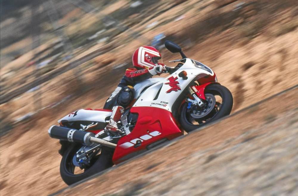 Yamaha-R1-Moto-Historica_6