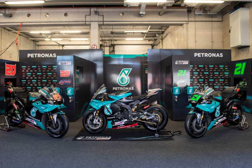 Yamaha-YZF-R1-replica-Petronas-MotoGP_3