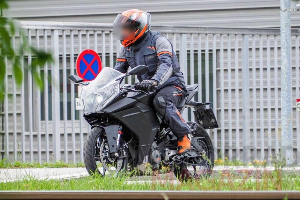 Nueva KTM RC390 2021