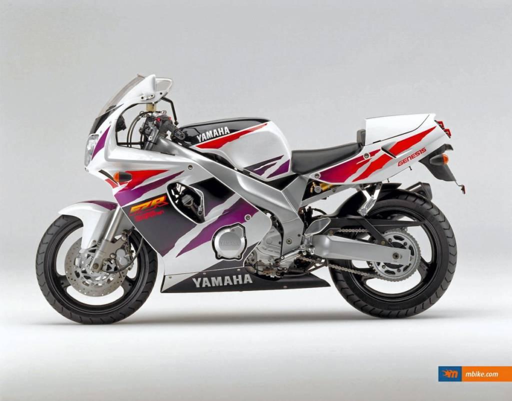 Yamaha-FZR600R-Moto-histórica_6