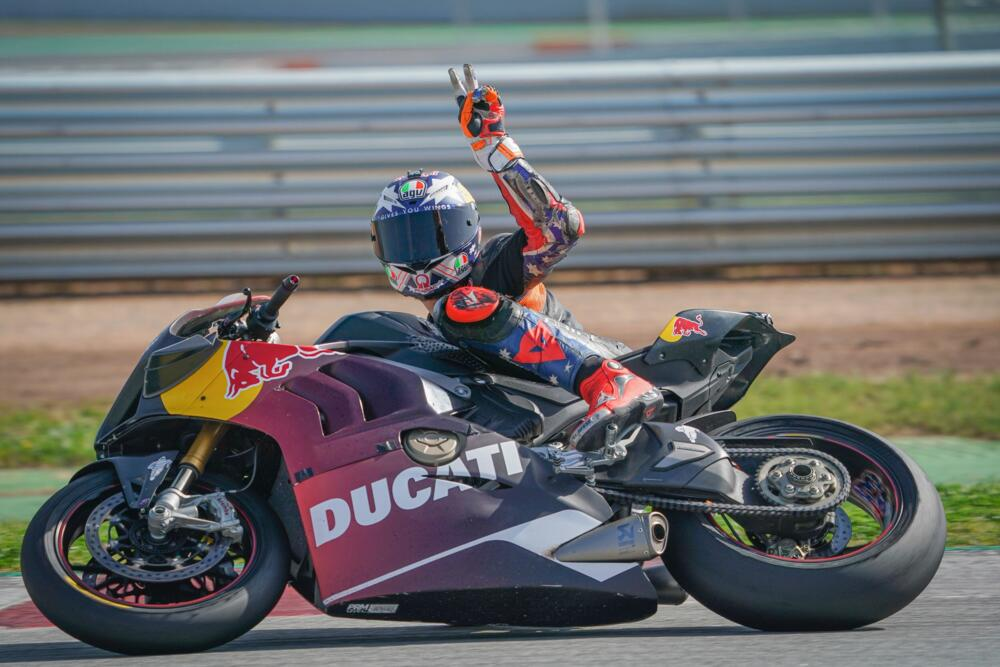 pilotos MotoGP ruedan Montmeló 2