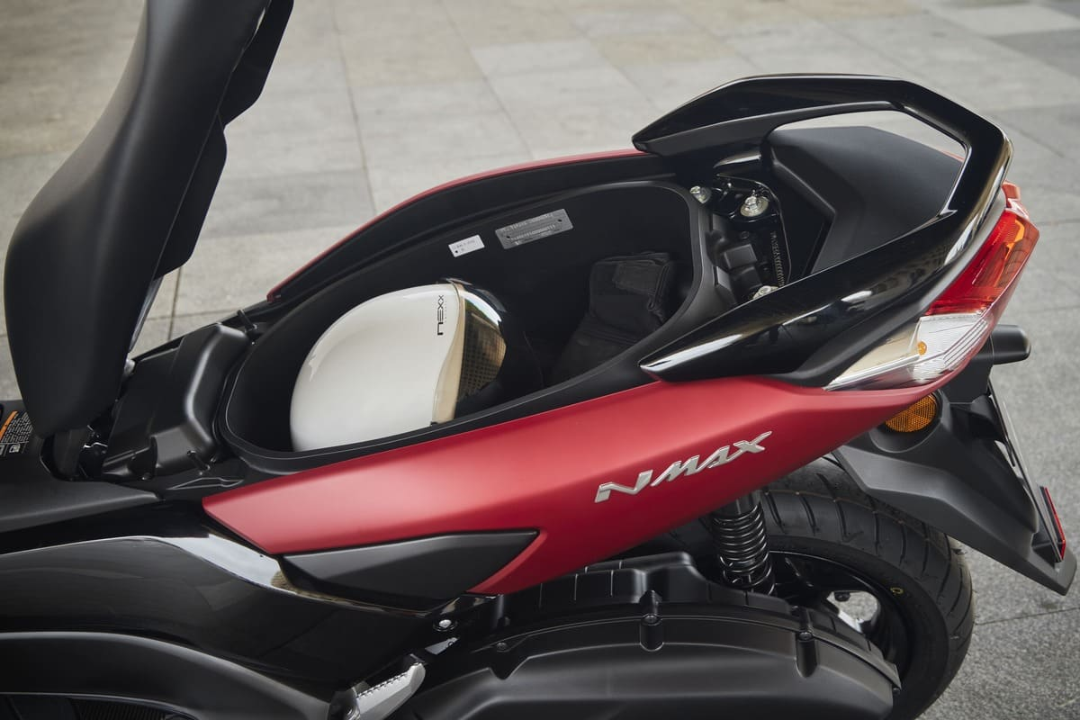 Prueba-Yamaha-NMax125-2021-1 COFRE NMAX