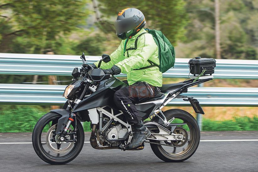 KTM 125 y 390 Duke 2022